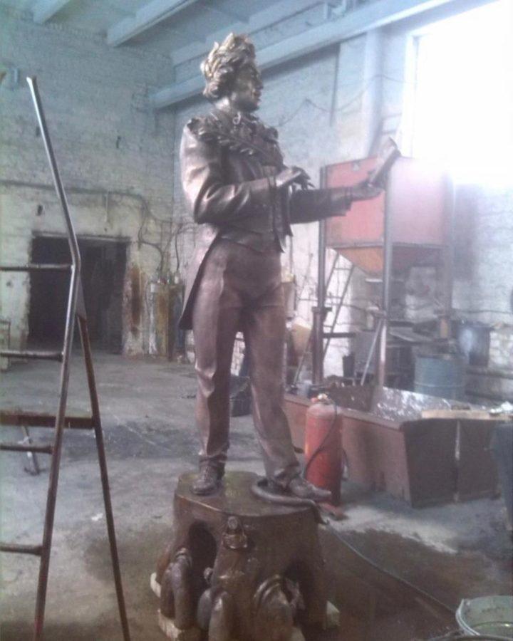 Бронзовая скульптура: Козьма Прутков