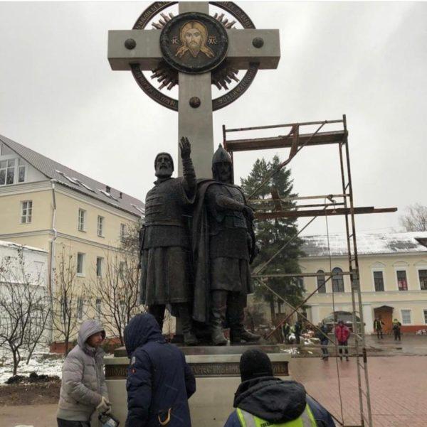 Бронзовая скульптура: Памятник русской военной славе