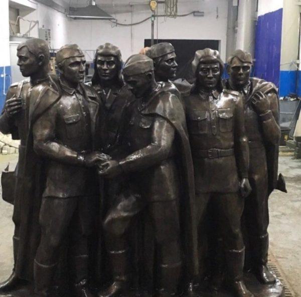 Бронзовая скульптура: Памятник народу победителю в Великой Отечественной Войне
