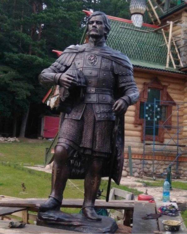 Бронзовая скульптура: Князь Александр Невский