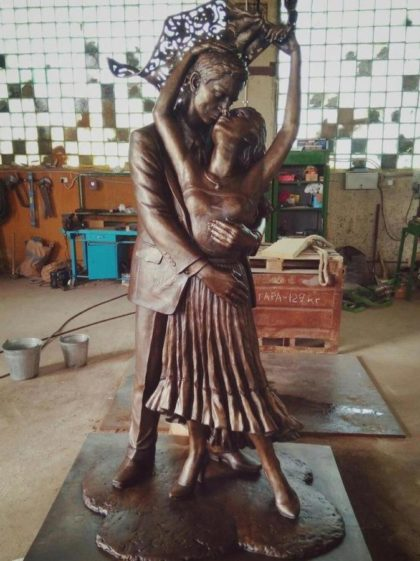 Бронзовая скульптура: Портретная парная скульптура