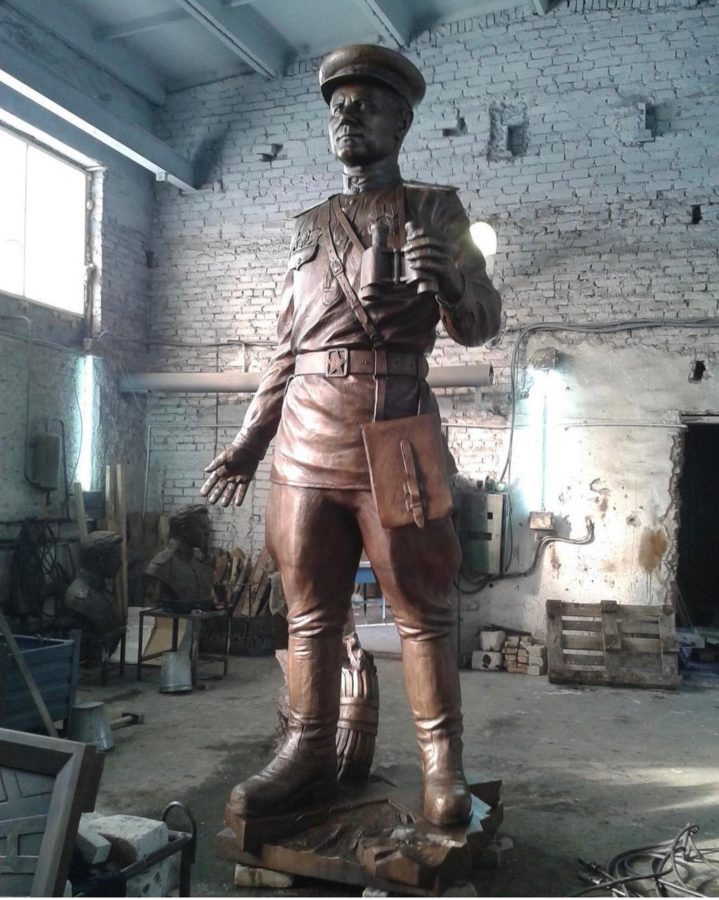 Бронзовая скульптура: Памятник Пограничнику