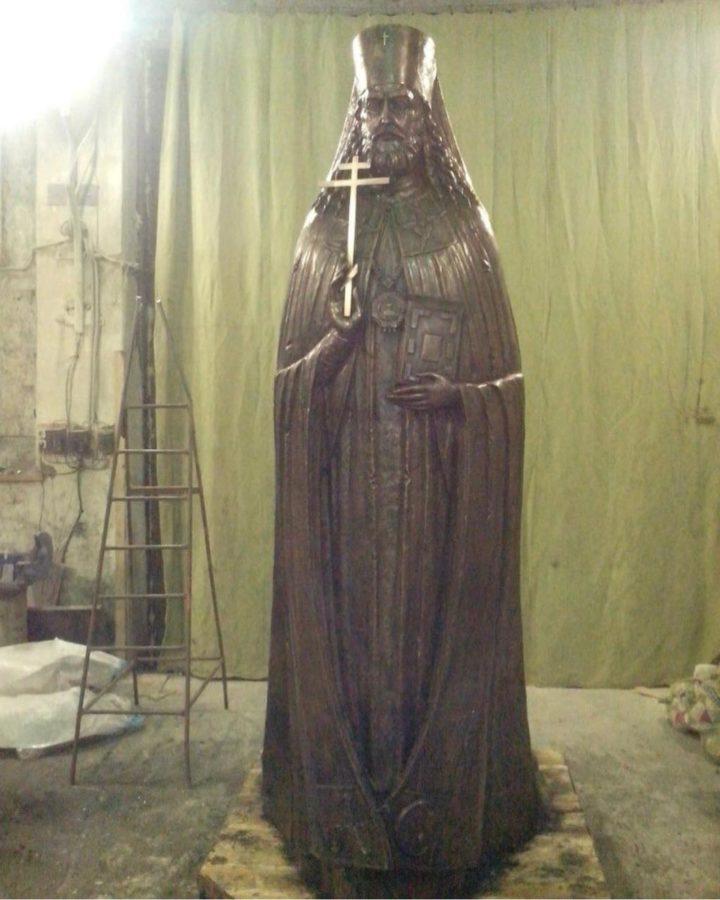 Бронзовая скульптура: Памятник святителю