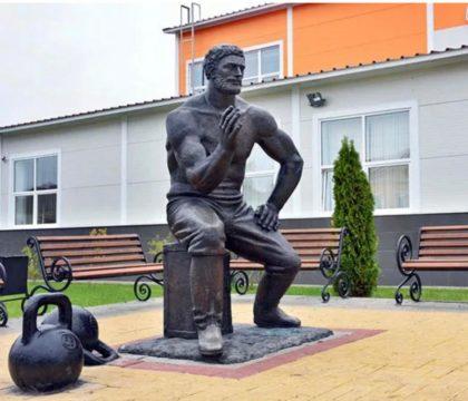 """Бронзовая скульптура: Богатырь """"Проня Мартыновский"""""""