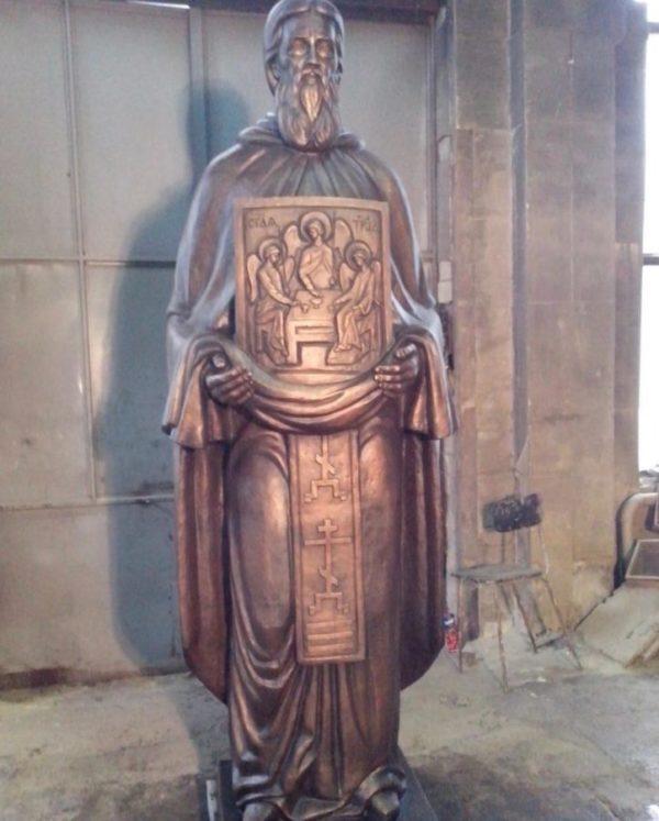 Бронзовая скульптура: Памятник святому