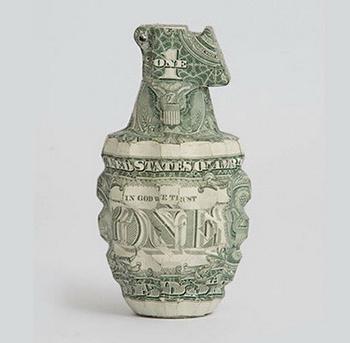 Скульптуры из денег