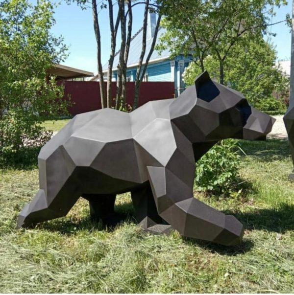 Скульптура: Медведь из нержавеющей стали с покраской