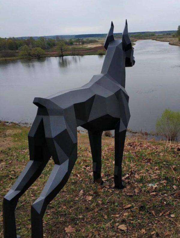 Скульптура: Доберман из стали с покраской