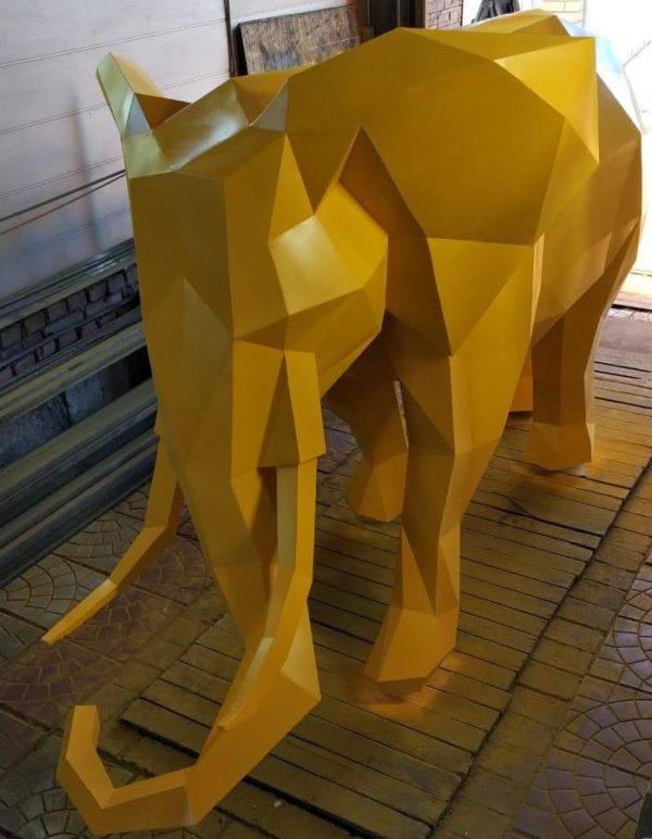Скульптура: Полигональный слон из металла (сталь) с покраской